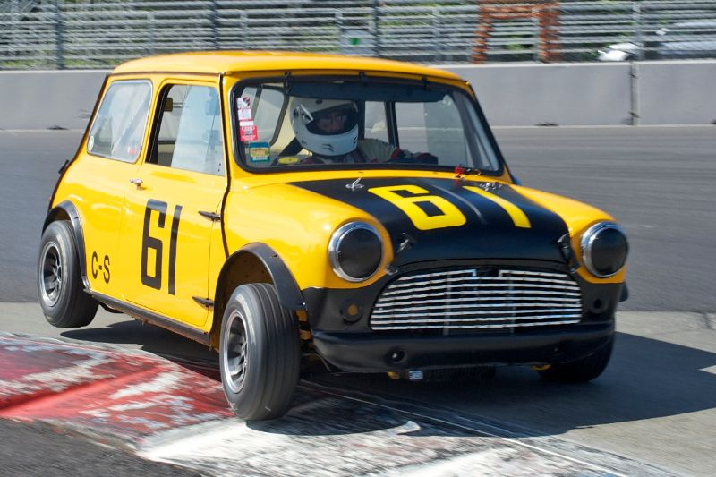 Mini Cooper Portland >> Mini Cooper In 1st Place At Portland Vintage Races