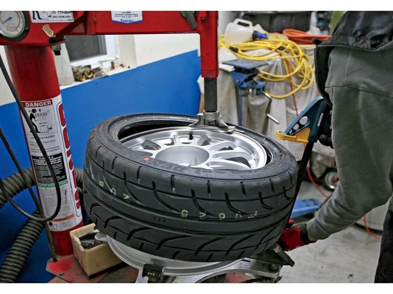 Mount And Balance Tires >> Mount Balance 1 Wheel Tire