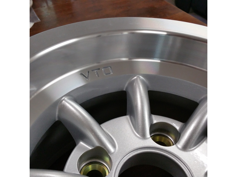 6 x 10 CLASSIC 8 WHEEL SILVER (w/lugs, cap) BY VTO WHEELS
